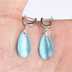 Sultan Modern Blue Topaz Silver Drop Earrings